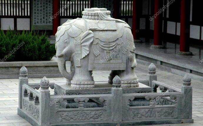 Сиань, Китай: камень слон в храме пагода диких гусей — Стоковое