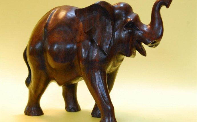 слон резной деревянный, слон из дерева, резная фигура, слон, слоник